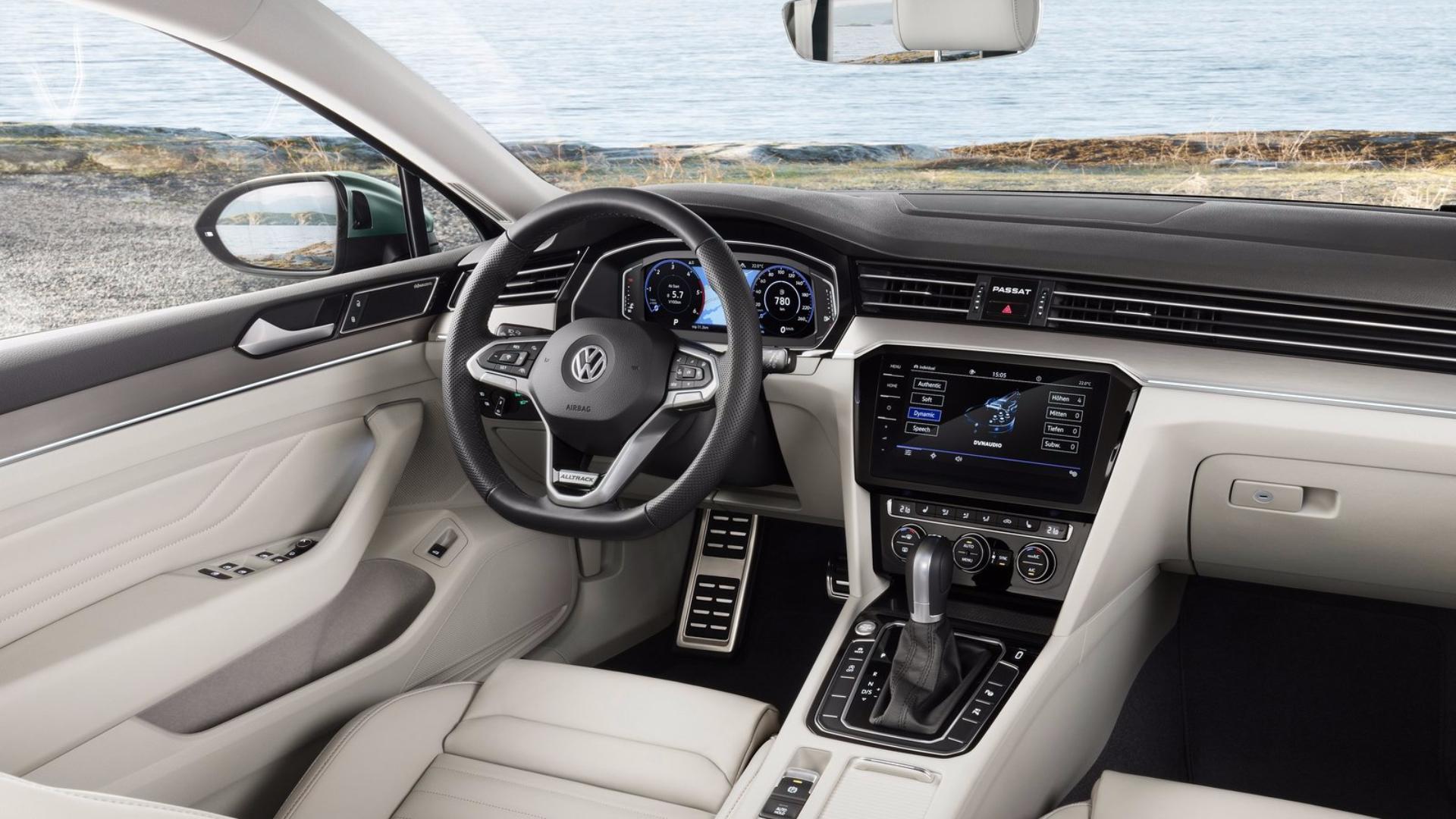 VW Passat Alltrack interiér